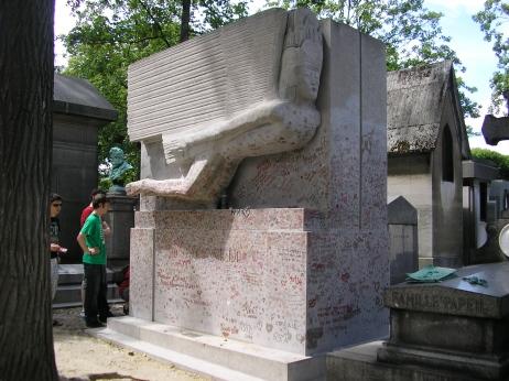 Oscar Wilde monument