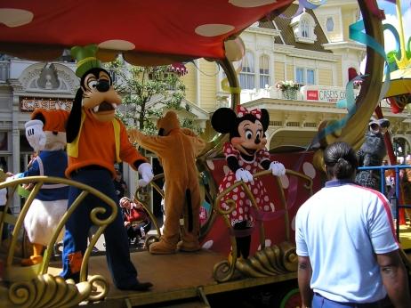 Goofy and Minnie