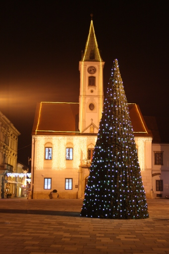 City-center-christmas-decoration