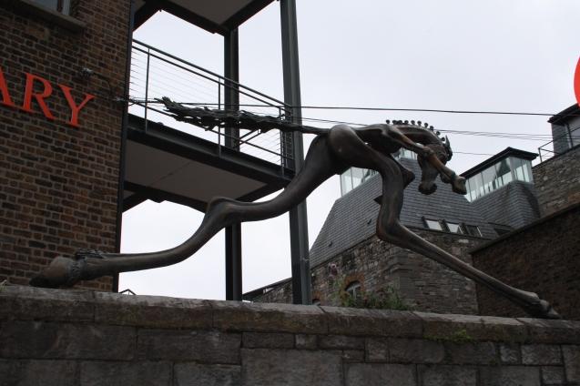 Dublin_statue